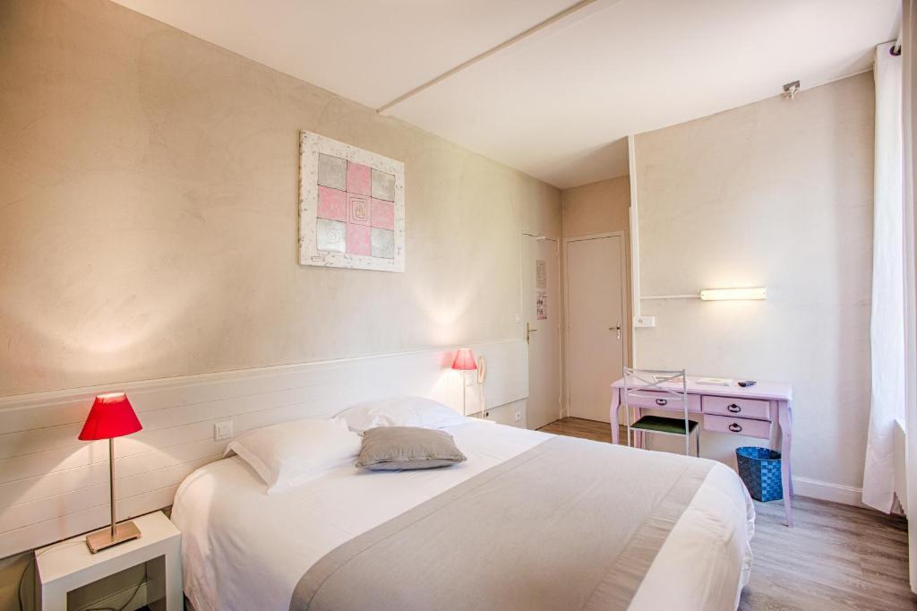 Hotel L Ile De Sees