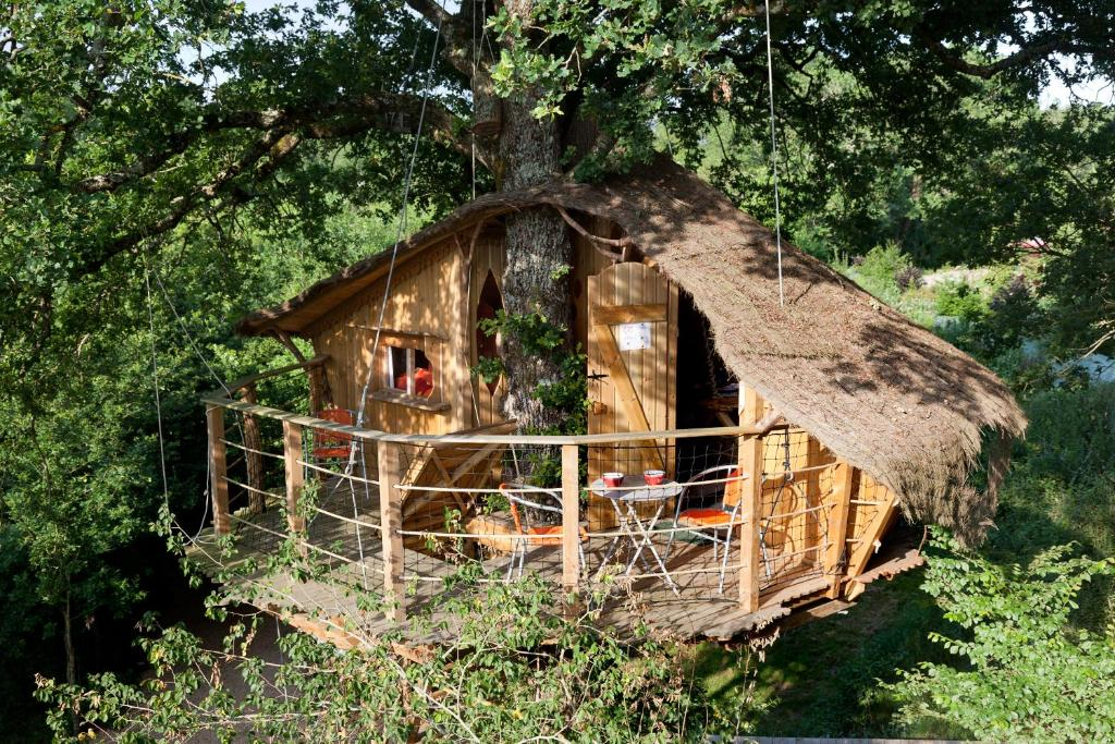 D fiplanet 39 dienn locations de vacances dienn - Construire une cabane avec des palettes ...