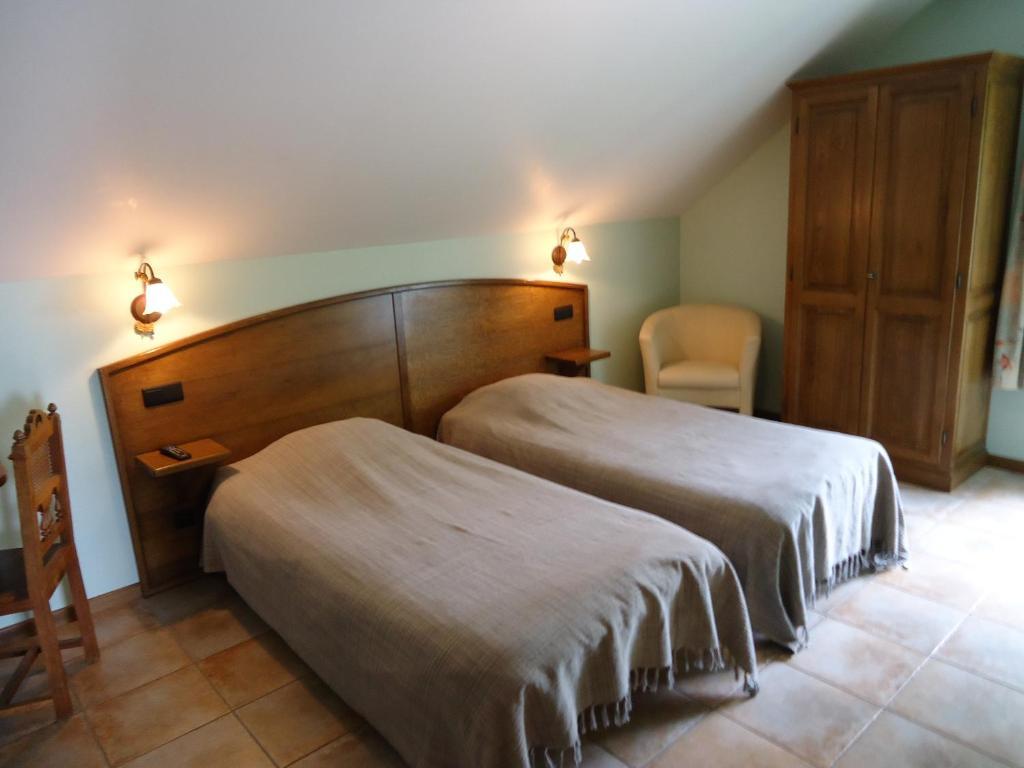 hotel la cr maill re la haute bras book your hotel with viamichelin. Black Bedroom Furniture Sets. Home Design Ideas