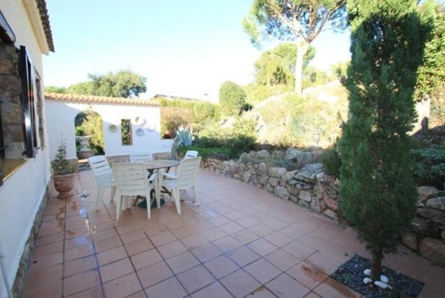 Les Cabanyes Villa Sleeps 6 Pool Air Con WiFi (Espanha ...