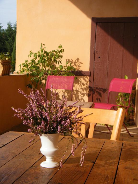 Chambres d 39 h tes le clos beaujolais chambre d 39 h tes belleville - Chambre d hote de charme beaujolais ...