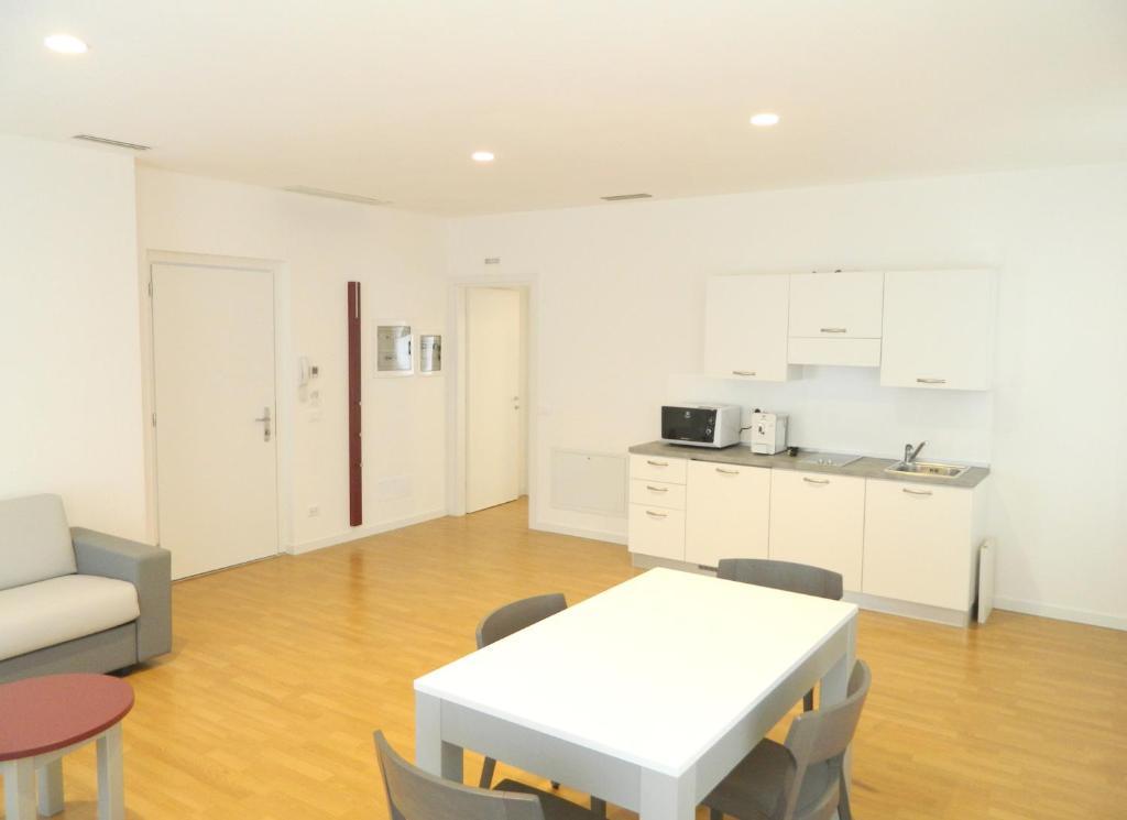 Palamostre residence udine viamichelin informatie en online reserveren for Moderne toiletartikelen