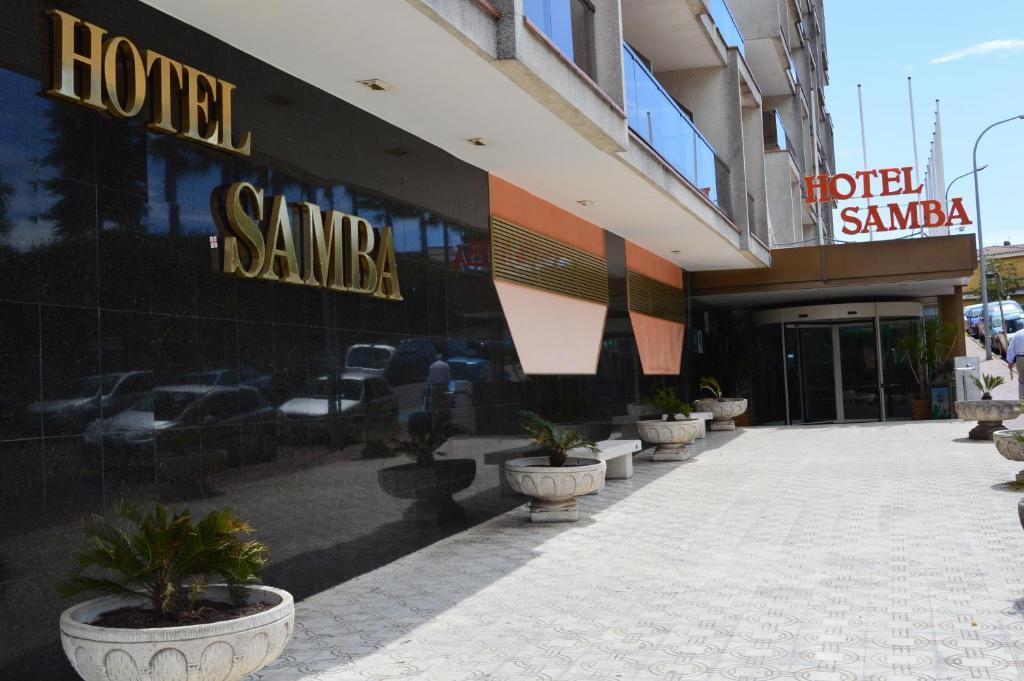 Hotel samba lloret de mar reserva tu hotel con viamichelin for Hoteles en lloret de mar con piscina climatizada