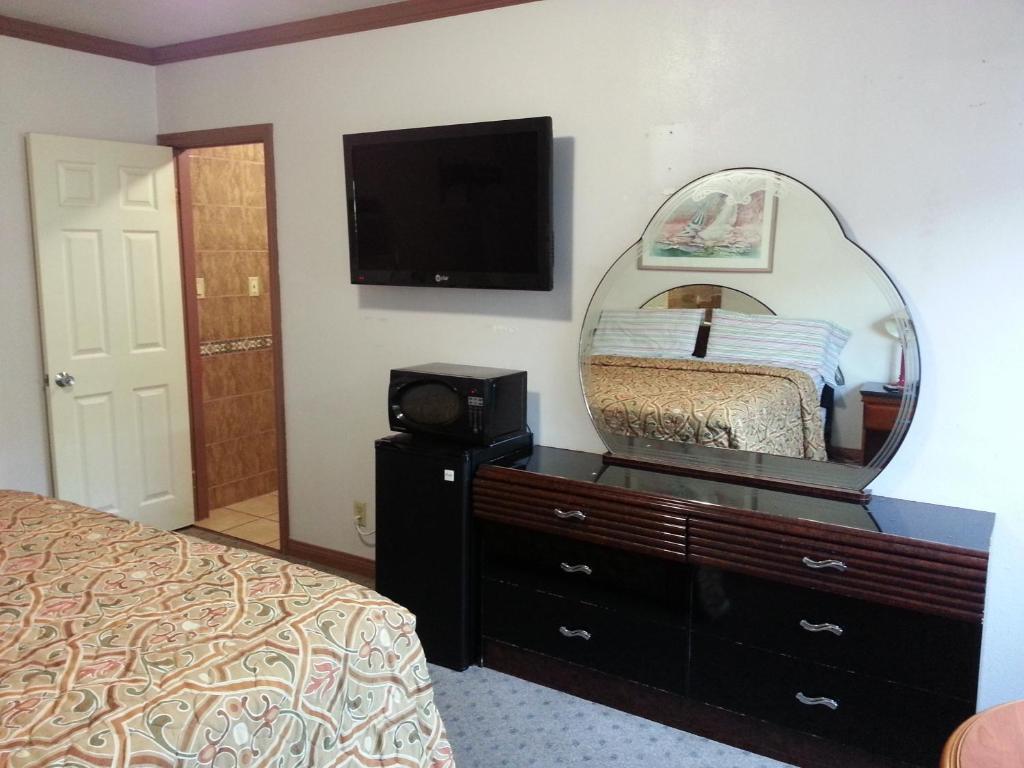 Motel  North Long Beach Ca