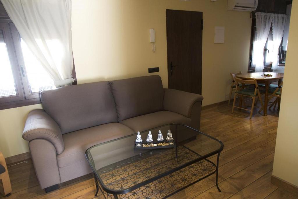 La Casa Rural De Aldea (España Aldea del Fresno) - Booking.com