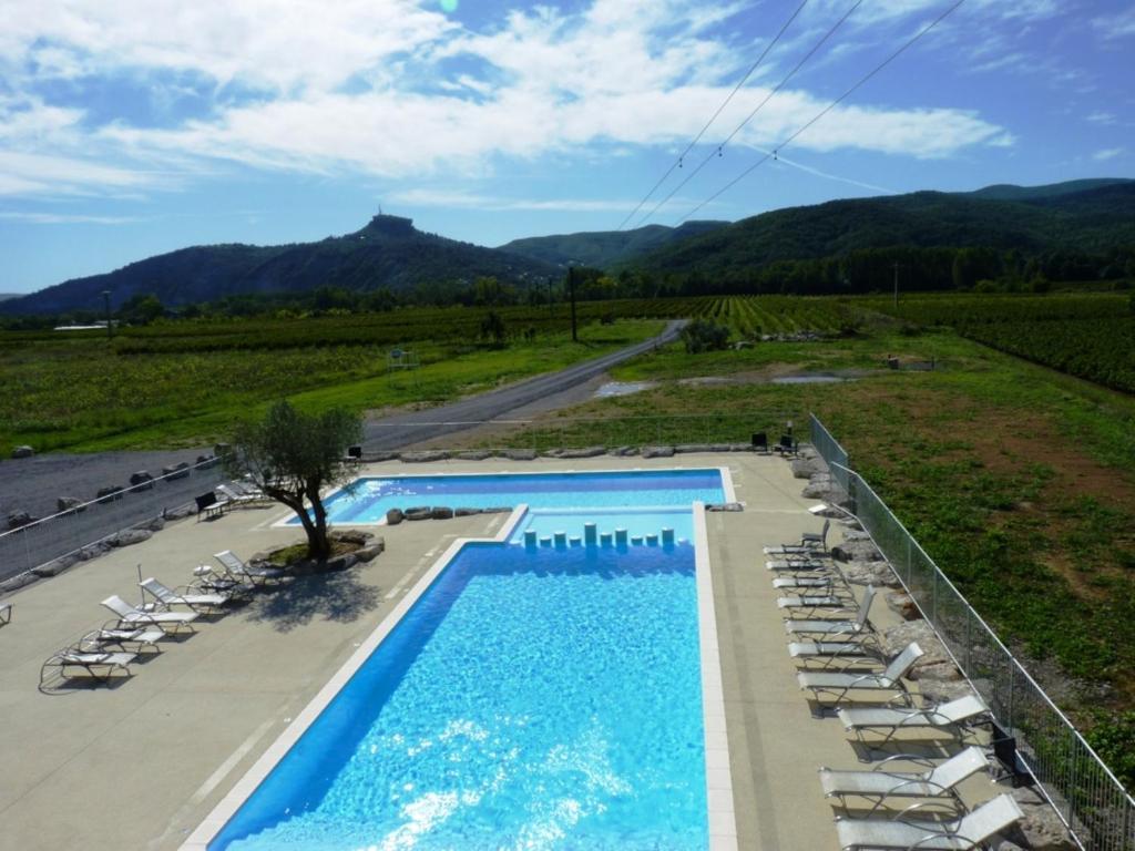 Rev 39 thijol vacances locations de vacances saint alban for Piscine st alban