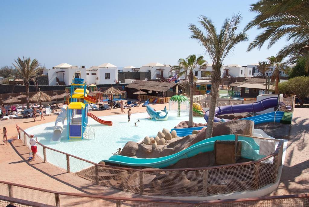 Condo hotel hl paradise island playa blanca spain for Designhotel lanzarote