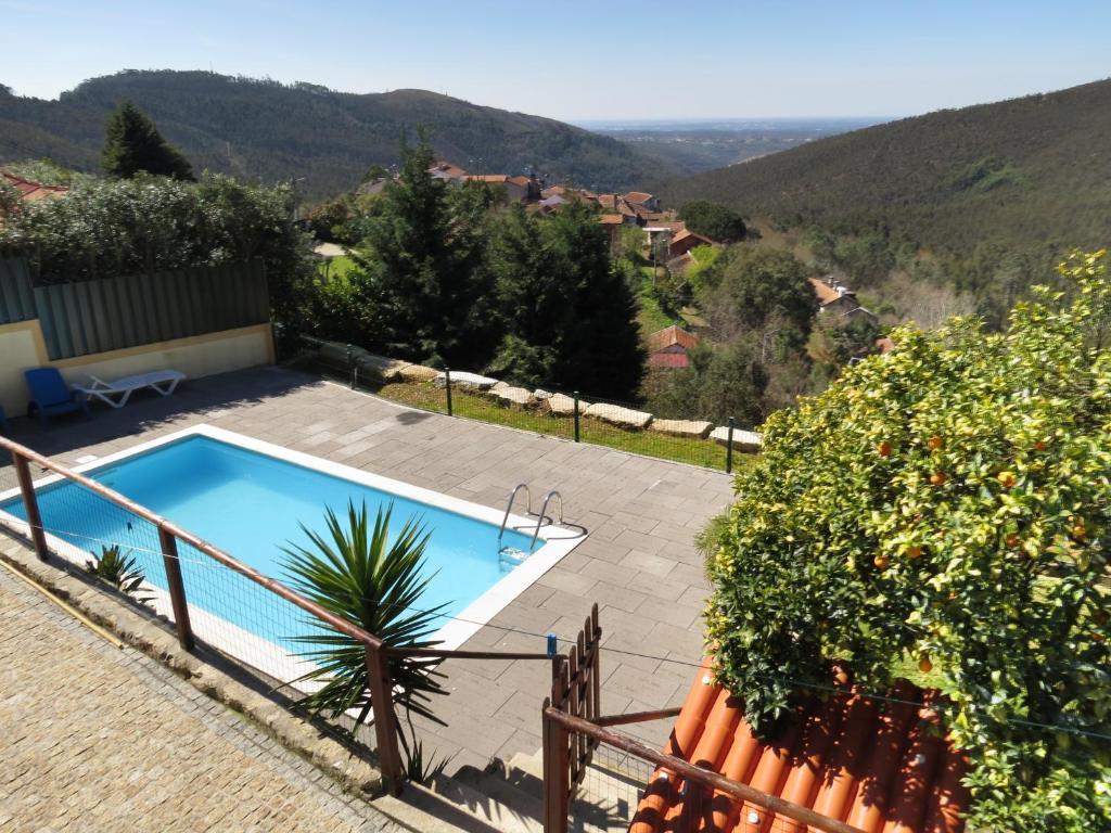 منظر المسبح في Quinta da Gaiya او بالجوار