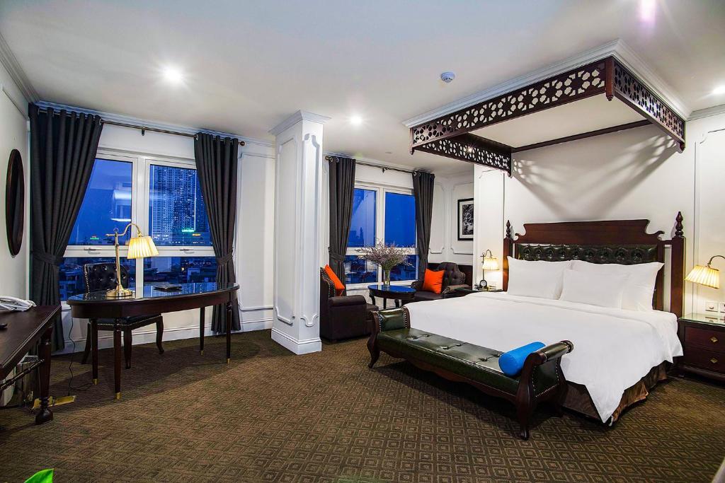 Khách sạn New Era