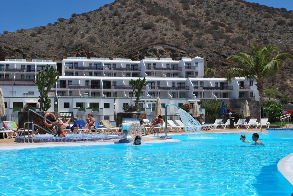 Apartamentos natural park mog n book your hotel with viamichelin - Apartamentos puerto rico las palmas ...