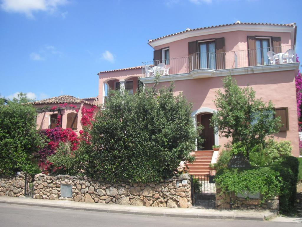 Chambres d 39 h tes bed breakfast dessole chambres d 39 h tes for Chambre d hote sardaigne