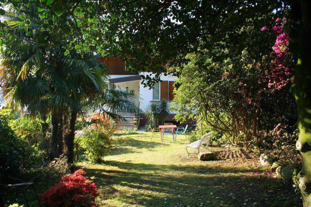 Villa Dei Fiori Appartamenti E B B