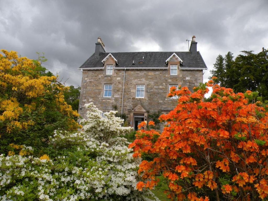 Thistle house guest house helensburgh online booking for Catherines house