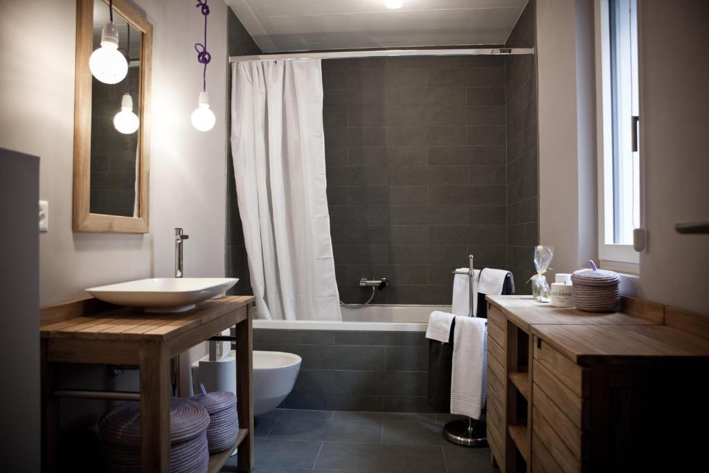 Le coq chantant b b and boutique hotel st livres for Livre hotel chambre