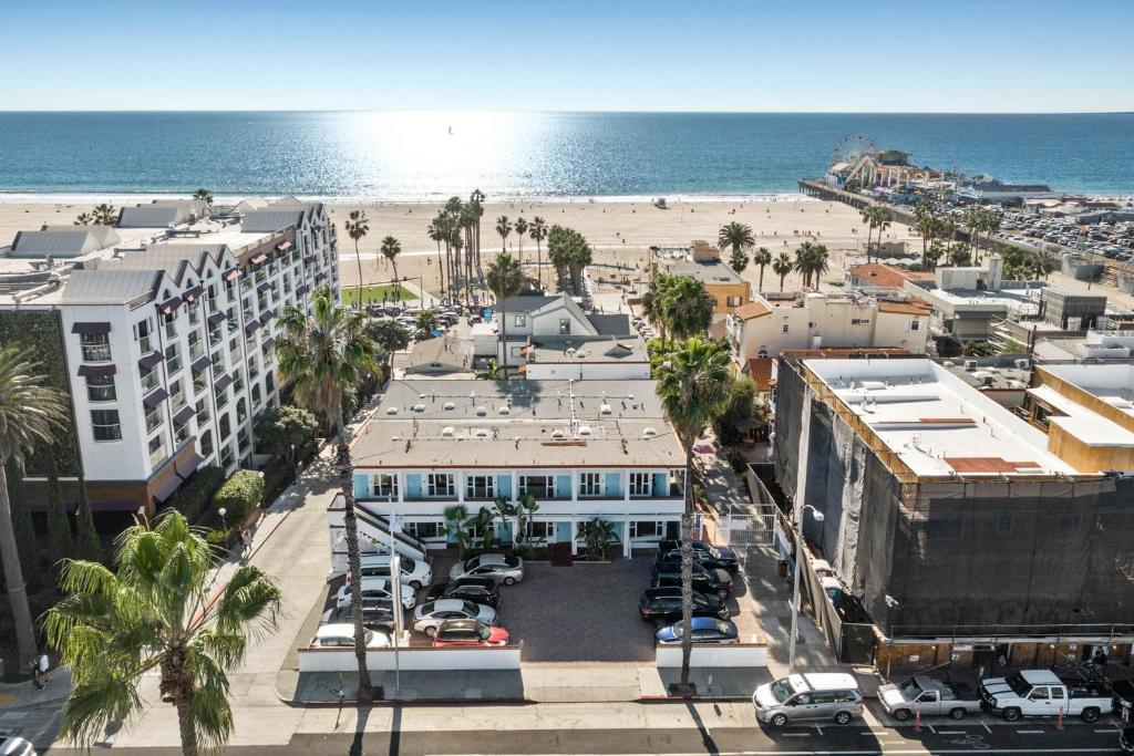 מבט מלמעלה על Sea Blue Hotel