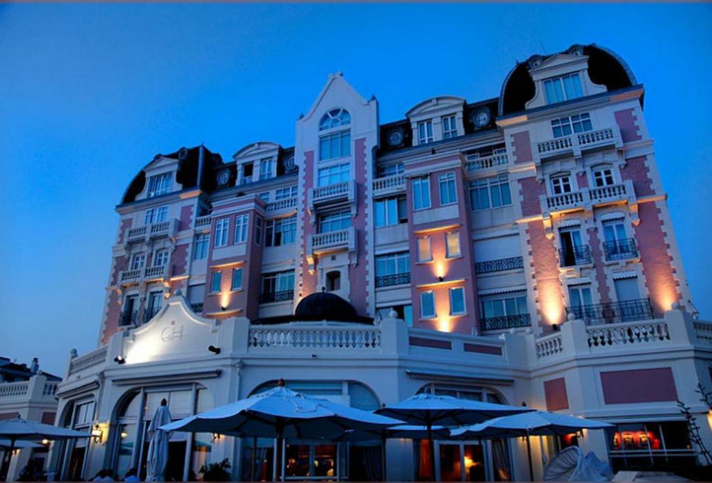 grand h tel thalasso spa san juan de luz reserva tu hotel con viamichelin. Black Bedroom Furniture Sets. Home Design Ideas