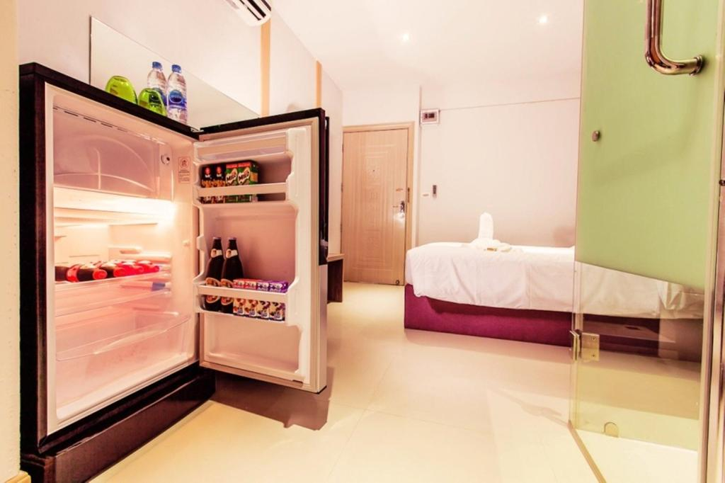 D Day Suite Mengjai Saphan Song Book Your Hotel With