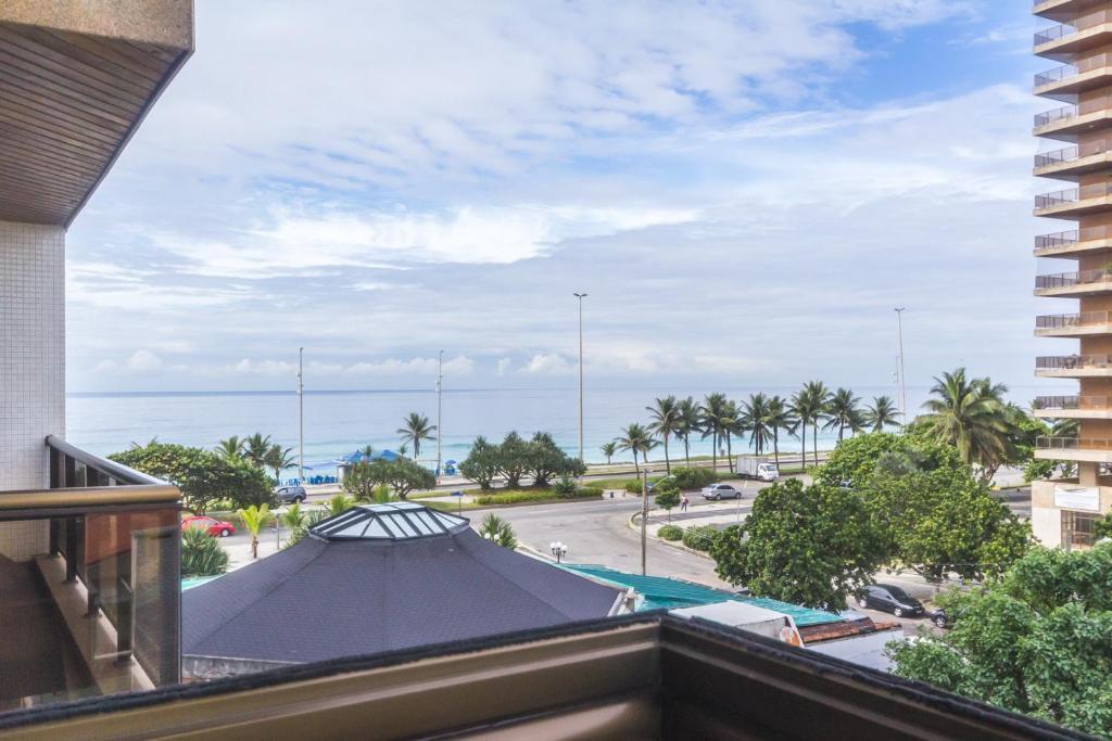 Uma vista do mar tirada do apart-hotel