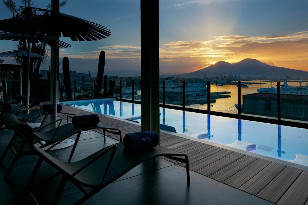 المسبح في Romeo hotel أو بالجوار