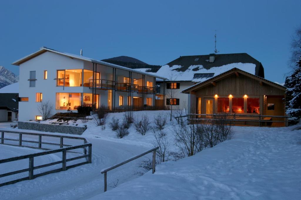 Residence tolderhof valdaora di mezzo prenotazione on - Hotel valdaora con piscina ...