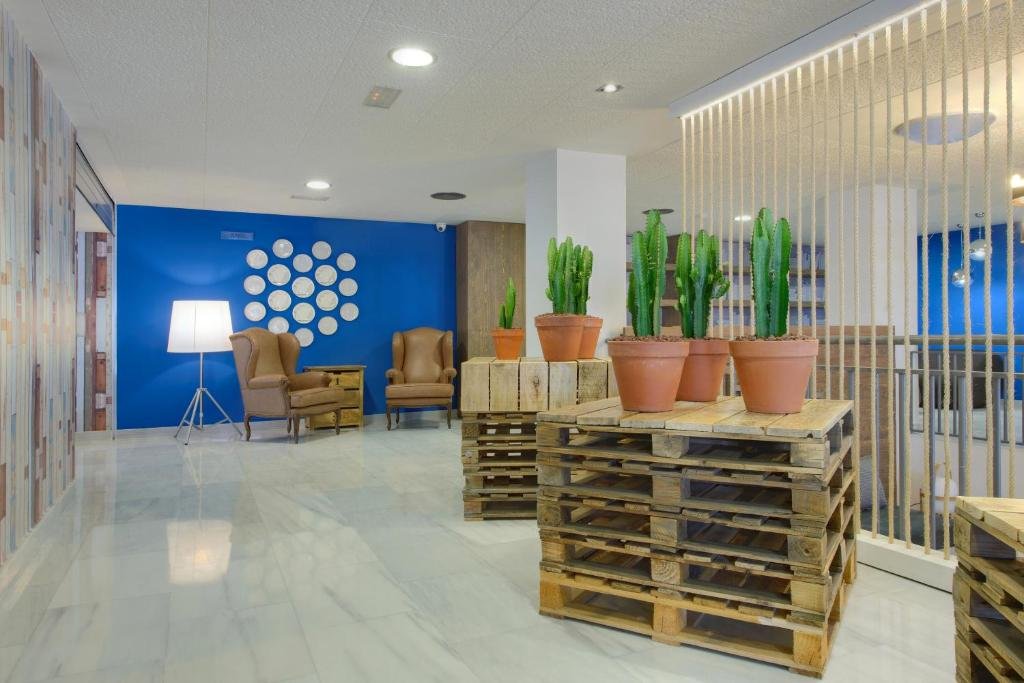 Tryp Madrid Airport Suites Madrid Book Your Hotel With