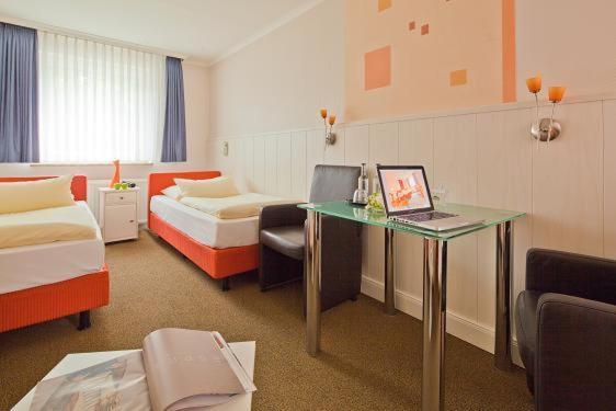 kocks hotel garni bed breakfasts hamburg. Black Bedroom Furniture Sets. Home Design Ideas