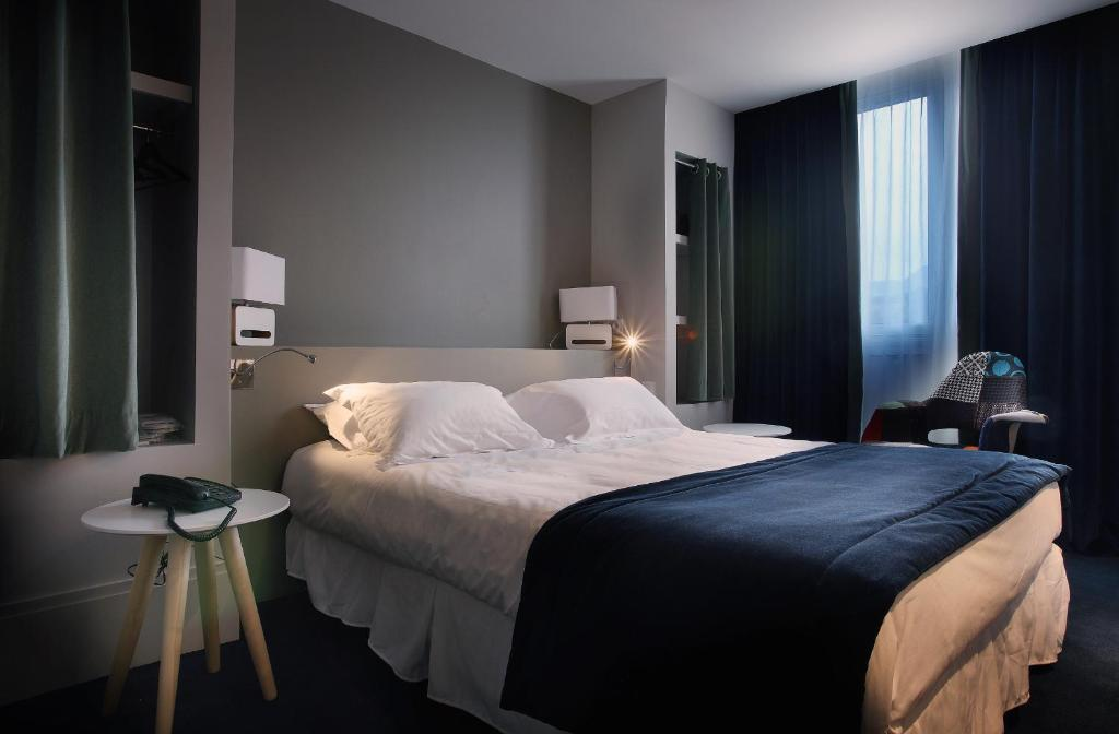 hotel le cinq hyper centre chamb ry reserva tu hotel con viamichelin. Black Bedroom Furniture Sets. Home Design Ideas