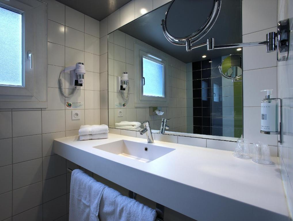 Hotel Le Cinq Hyper - Centre - Chamb U00e9ry