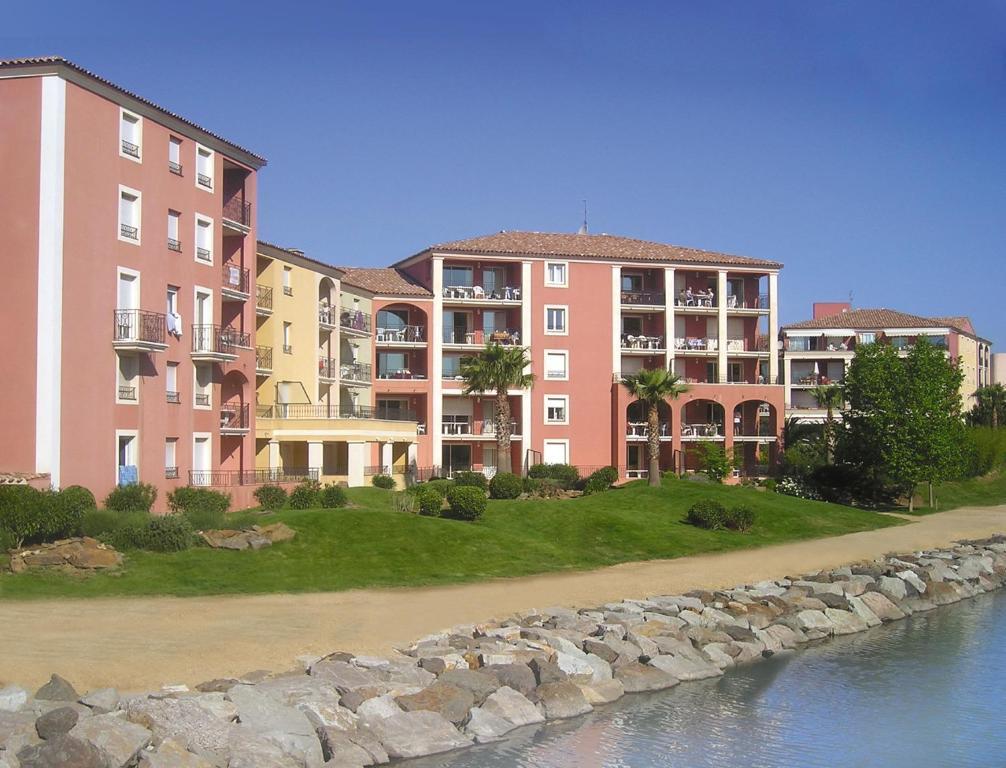 Lagrange vacances port marine sainte maxime - Office tourisme sainte maxime ...