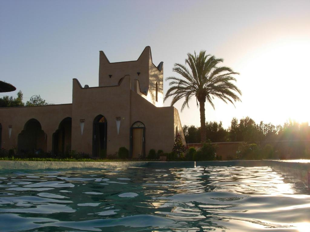 Le jardin des epices taroudant book your hotel with for Jardin 4 epices