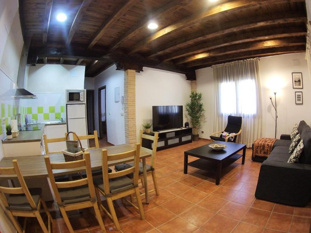 Apartamento los arcos, Cobisa, Spain - Booking.com