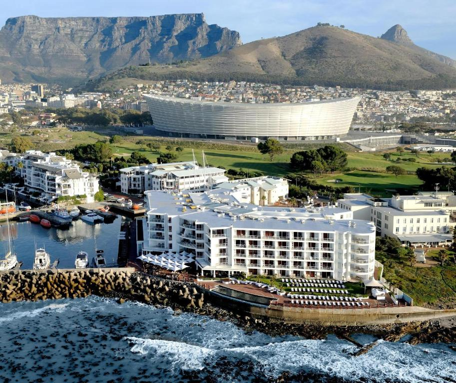 Radisson Blu Hotel Waterfront Cape Town Kaapstad Book Your Hotel With Viamichelin