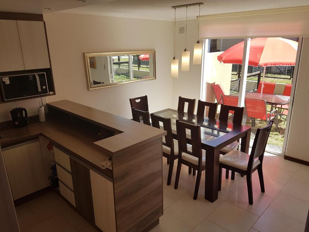 Casa de temporada Casa Condominio Robles II Pucon (Chile ...