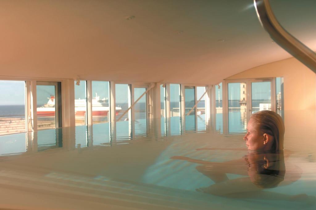 Hotel In Warnemunde Direkt Am Strand