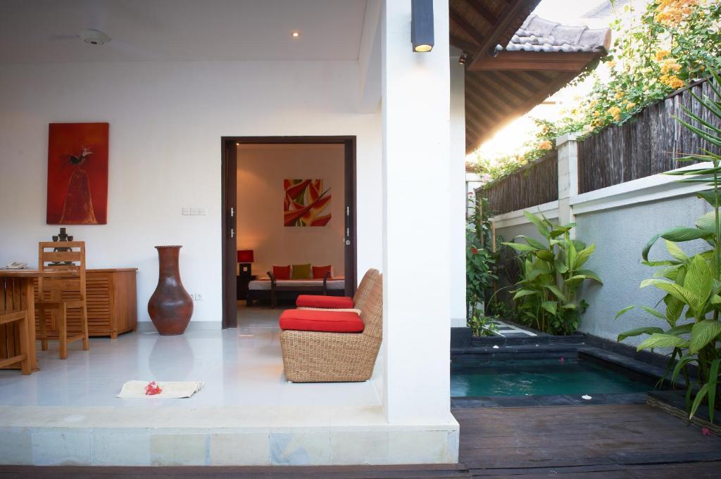 Kokomo Resort Pemenang Book Your Hotel With Viamichelin