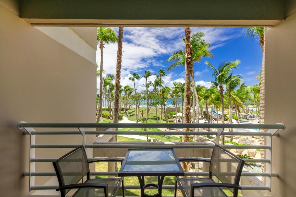 Un balcón o terraza en Hilton Ponce Golf & Casino Resort