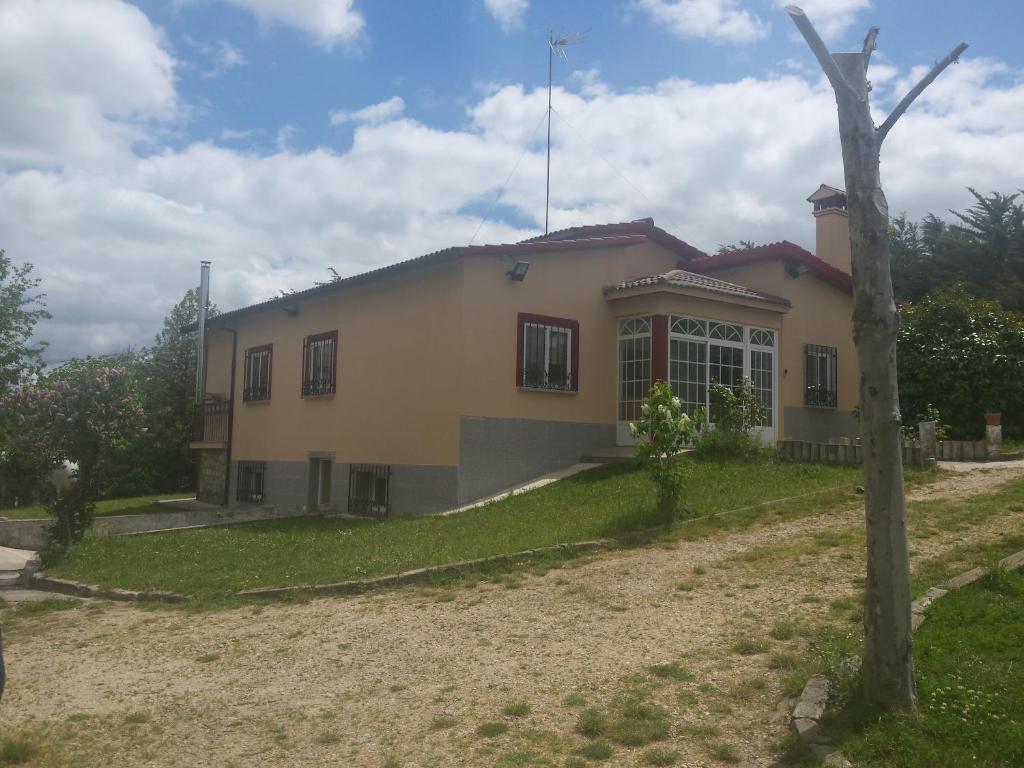Casa Rural La Ermita del Viso (España Monterrubio de Armuña ...