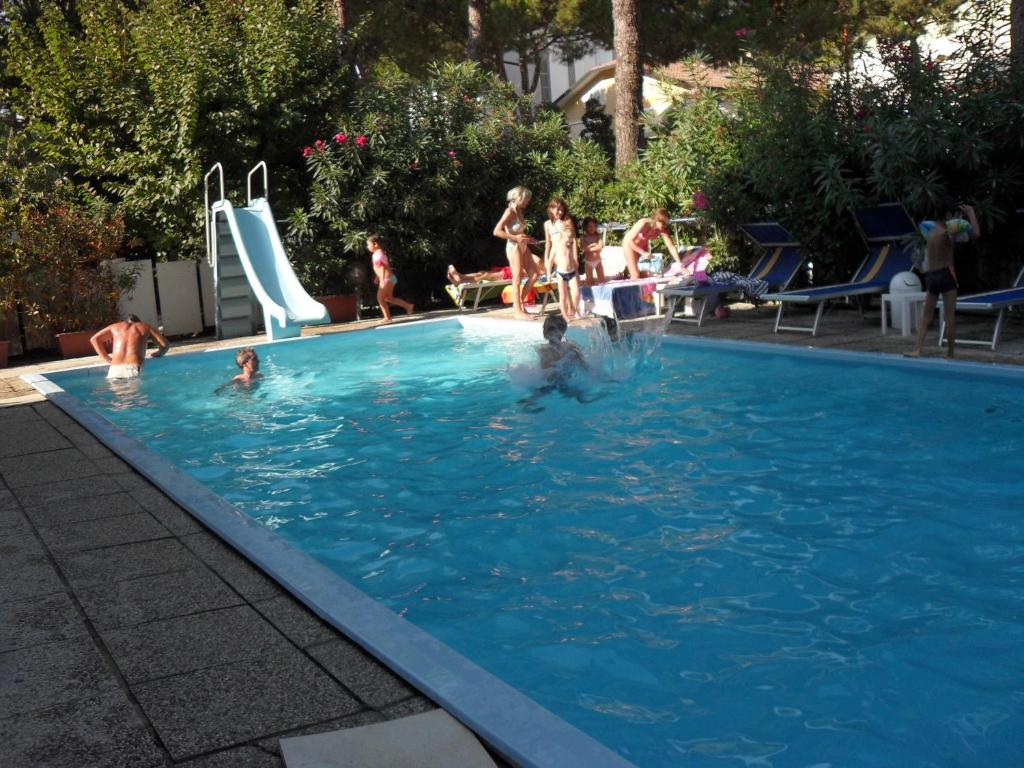 Hotel zani cervia reserva tu hotel con viamichelin - Hotel con piscina cervia ...