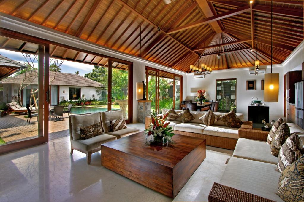 The akasha boutique hotel and villas seminyak for Garden rooms b q