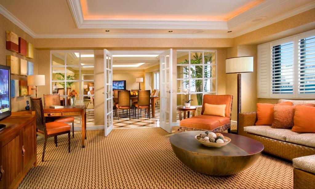 Un lugar para sentarse en Tropicana Las Vegas a DoubleTree by Hilton Hotel and Resort