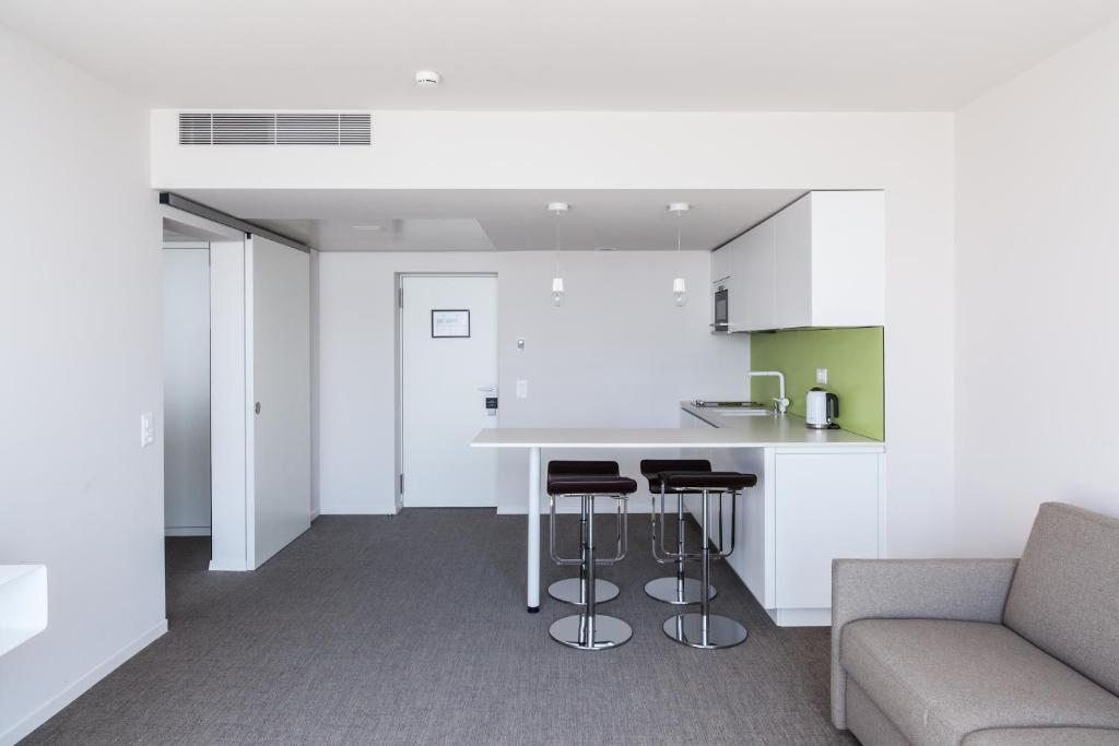 Hotel lavaux cully viamichelin informatie en online reserveren for Moderne toiletartikelen