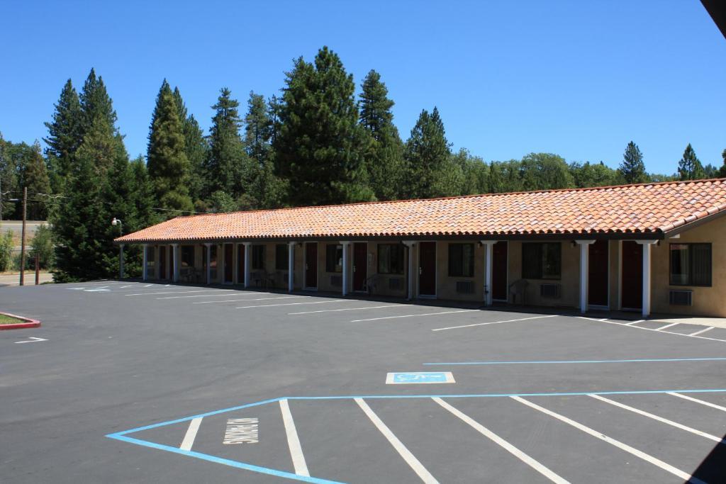 Motel  Placerville
