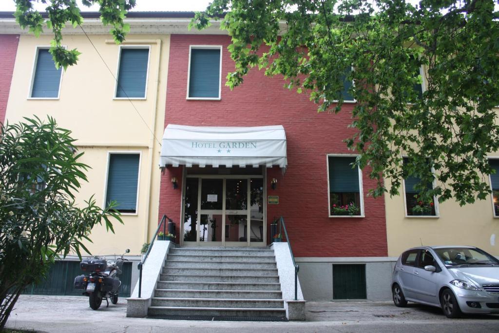 Hotel Via Rutilia Milano