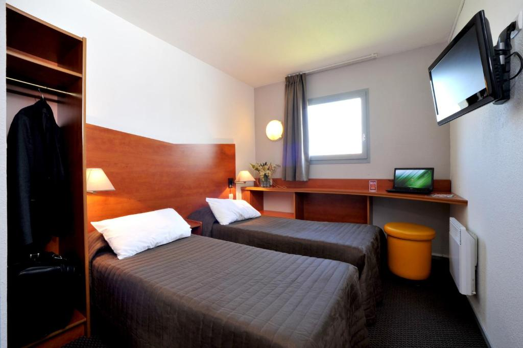 Hotel  U0026 Residence Calais Car Ferry