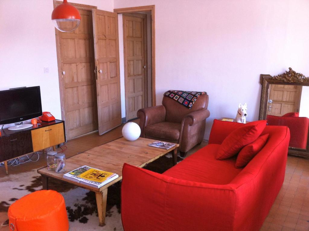 chambres d 39 h tes les cagettes en ville chambres d 39 h tes perpignan dans les pyr n es. Black Bedroom Furniture Sets. Home Design Ideas
