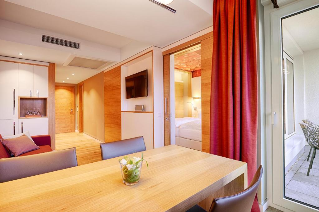 kaisergarten hotel spa deidesheim deidesheim informationen und buchungen online viamichelin. Black Bedroom Furniture Sets. Home Design Ideas