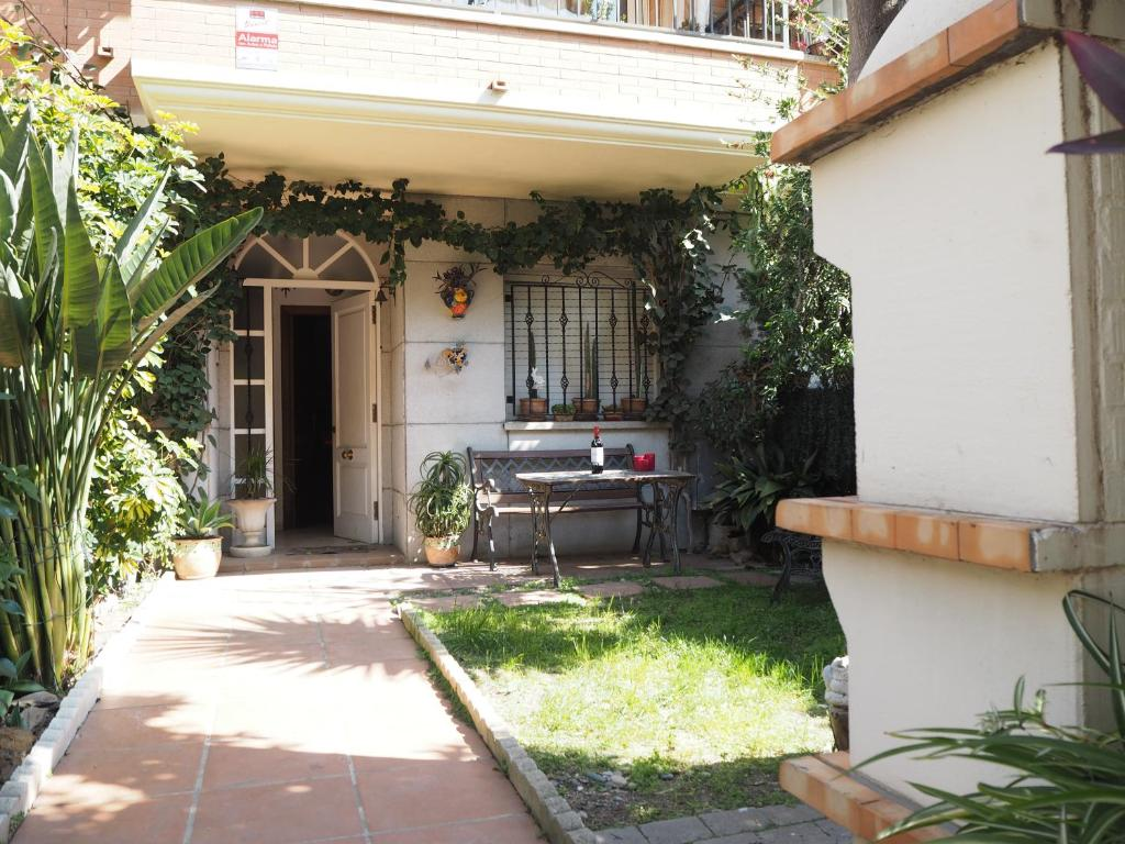 Casa de temporada Ref. 232. Casa para 6 personas con jardín ...