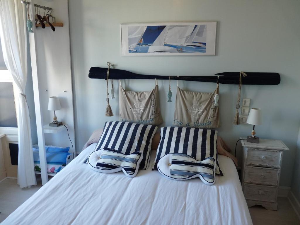 maison d 39 h tes cap ouest r servation gratuite sur viamichelin. Black Bedroom Furniture Sets. Home Design Ideas