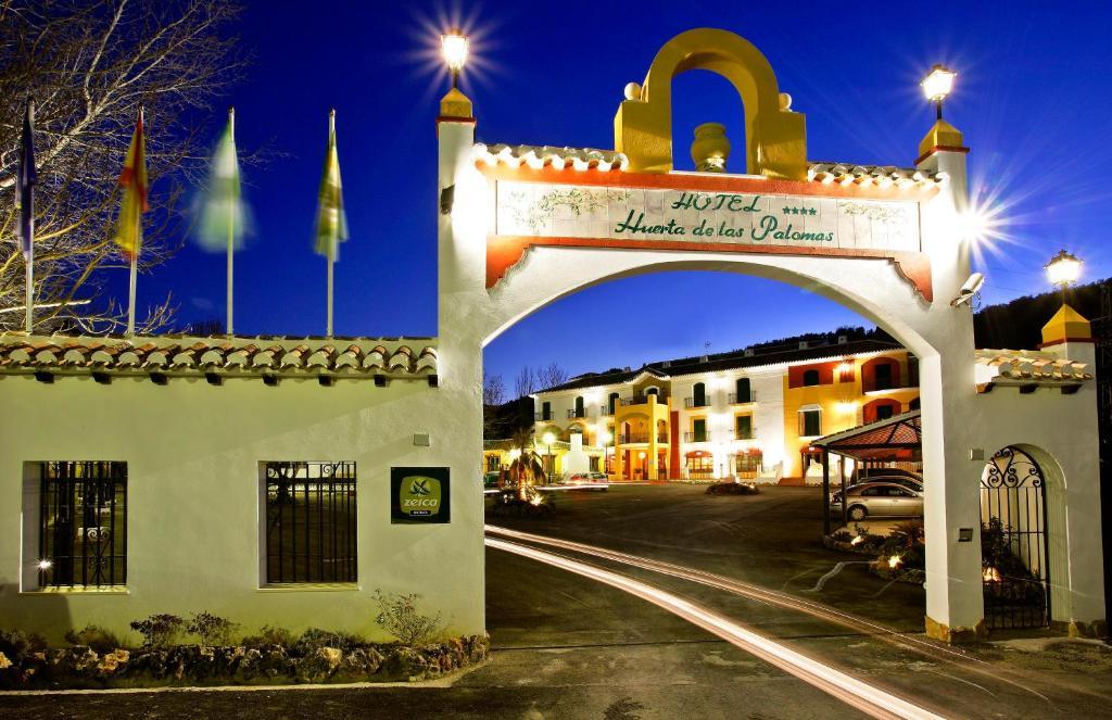 Huerta de las palomas r servation gratuite sur viamichelin for Hotel rio piscina priego de cordoba