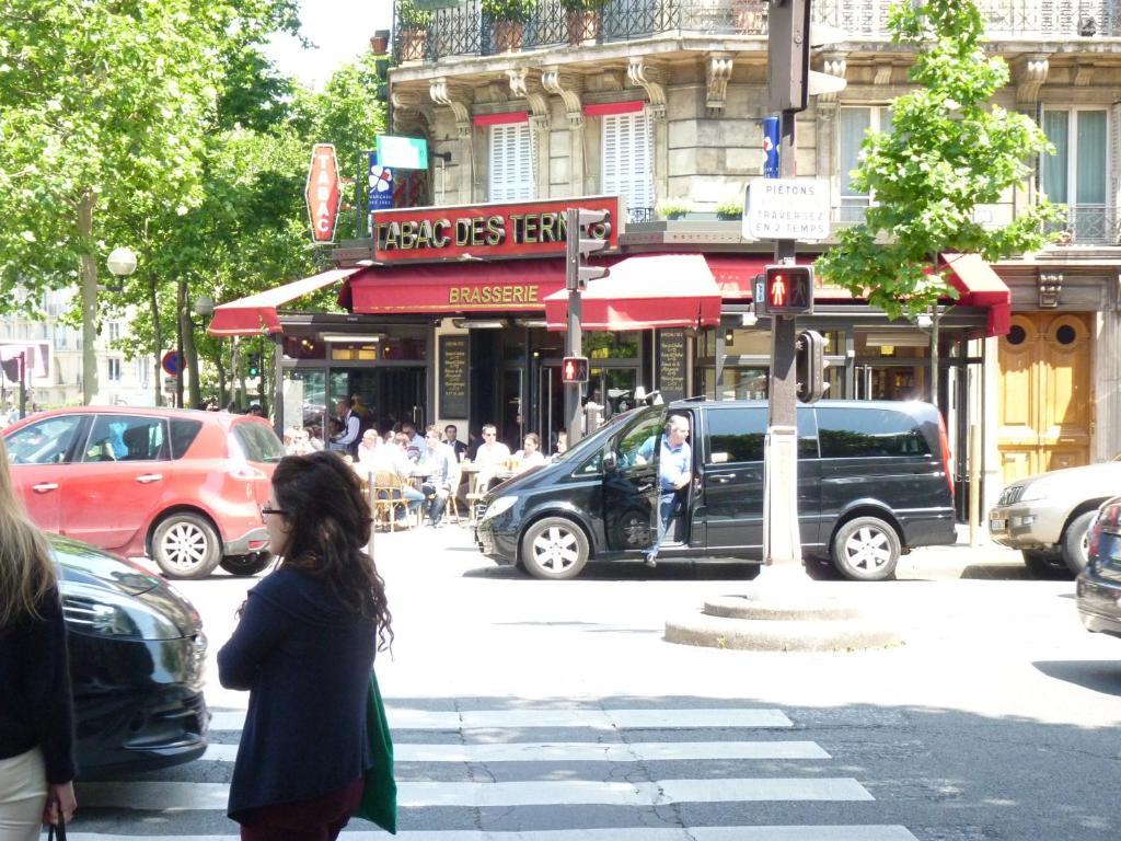 Hotel Paris  Avenue Des Ternes